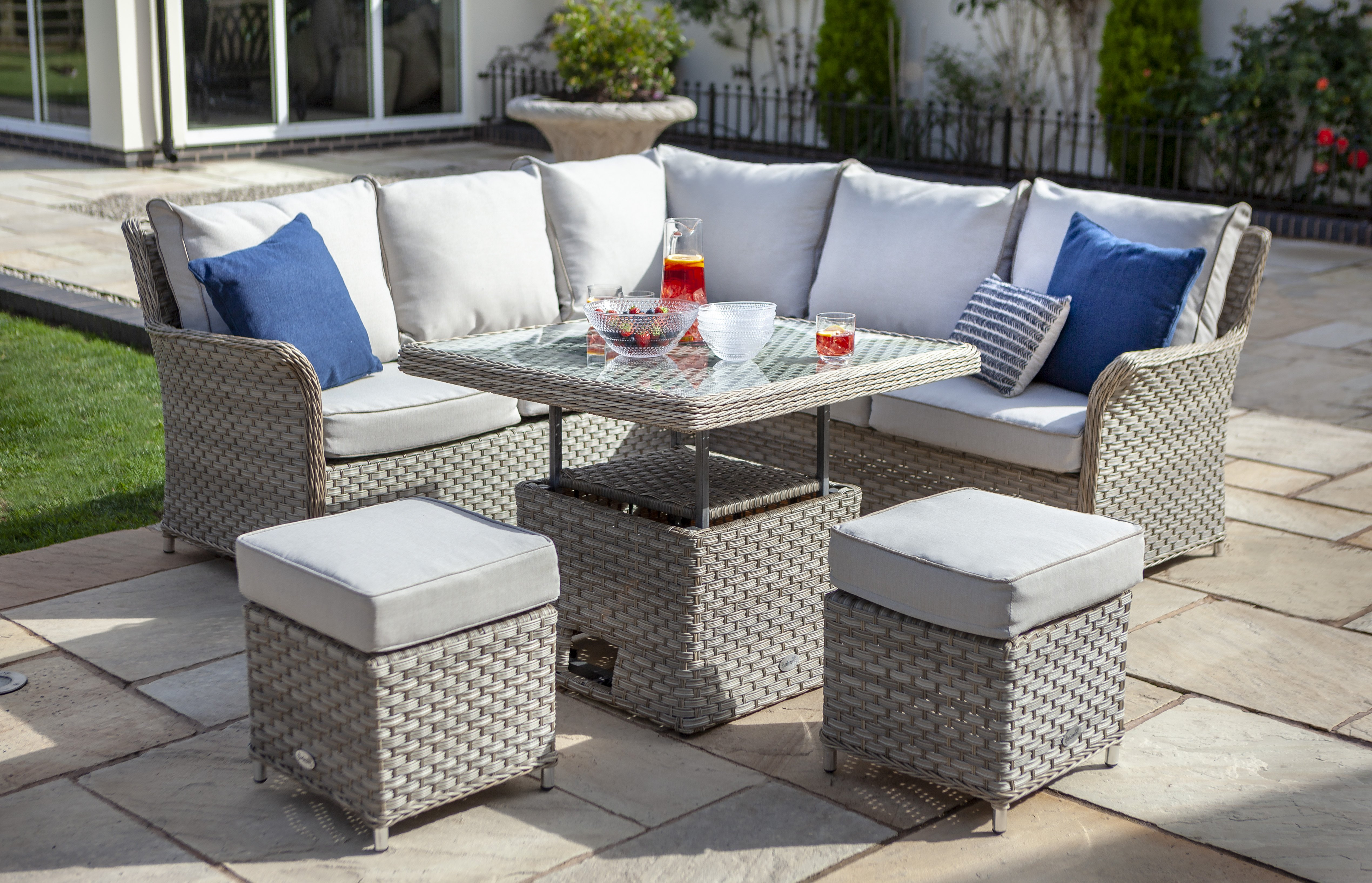 Hartman Heritage Square Casual Dining Set With Adjustable